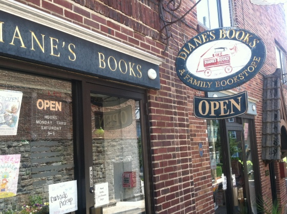 Diane's Books in Greenwhich, CT was buzzing with readers.